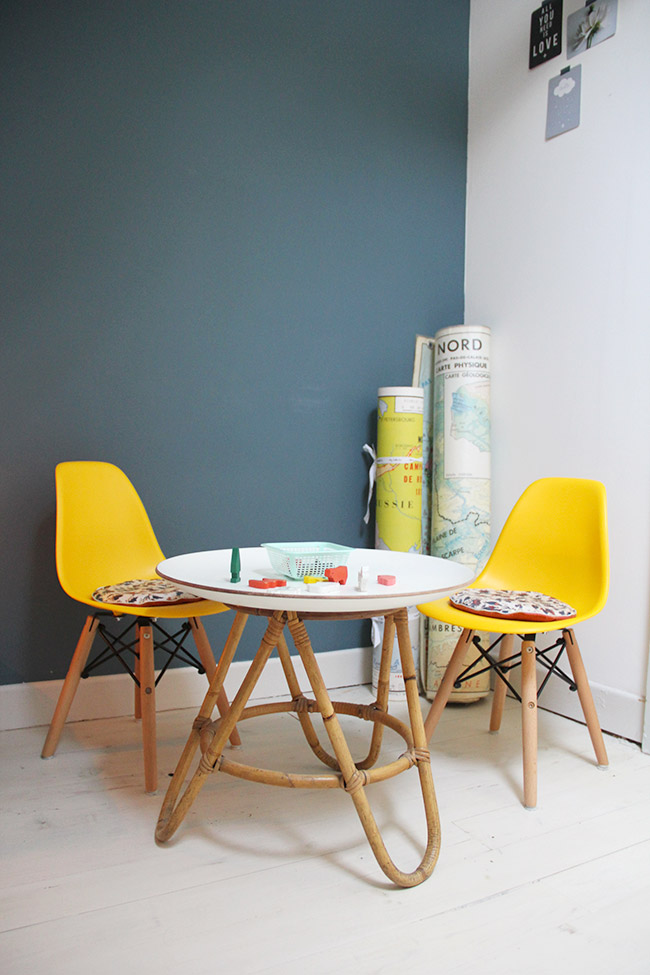 La chaise dsw baby poligom for Table salle a manger jaune