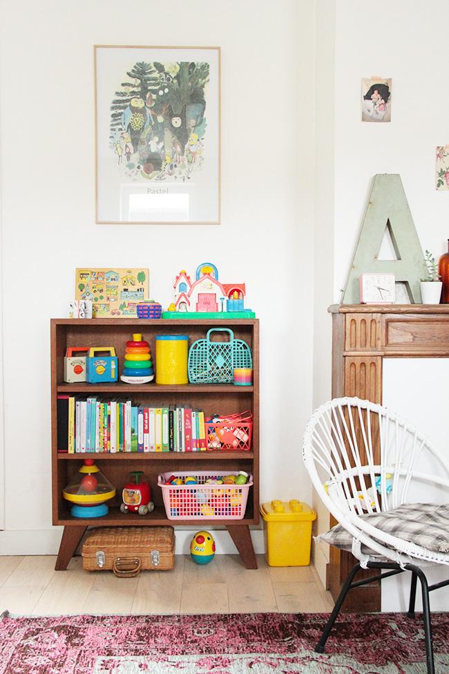 j 39 ai chin une biblioth que pour enfant des ann es 60 poligom. Black Bedroom Furniture Sets. Home Design Ideas