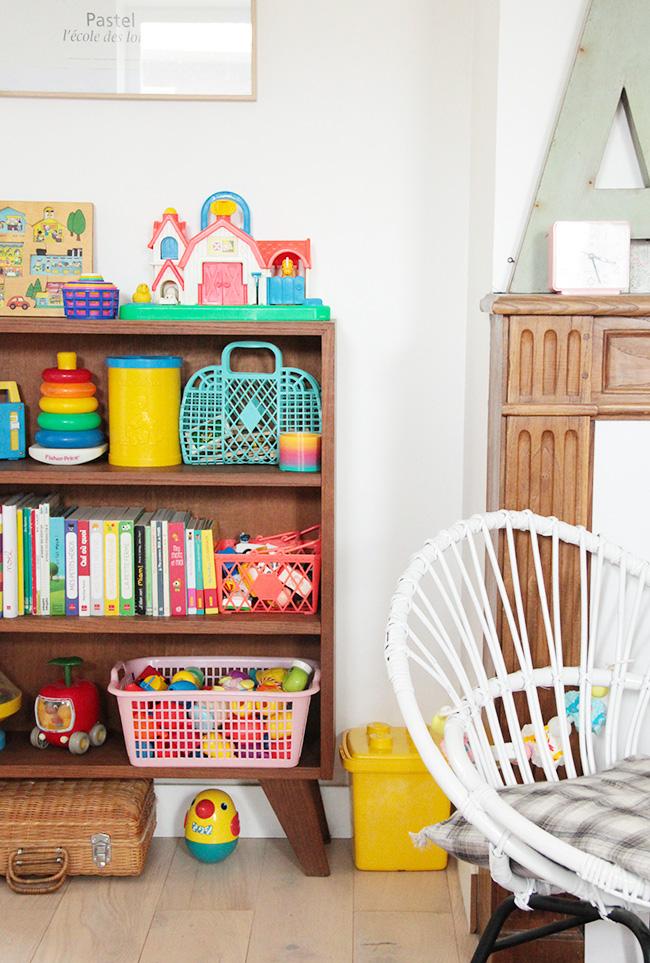 j 39 ai chin une biblioth que pour enfant des ann es 60. Black Bedroom Furniture Sets. Home Design Ideas